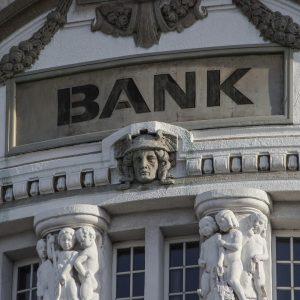 Arbeit auch die Bank mit Bitcoin Revolution?